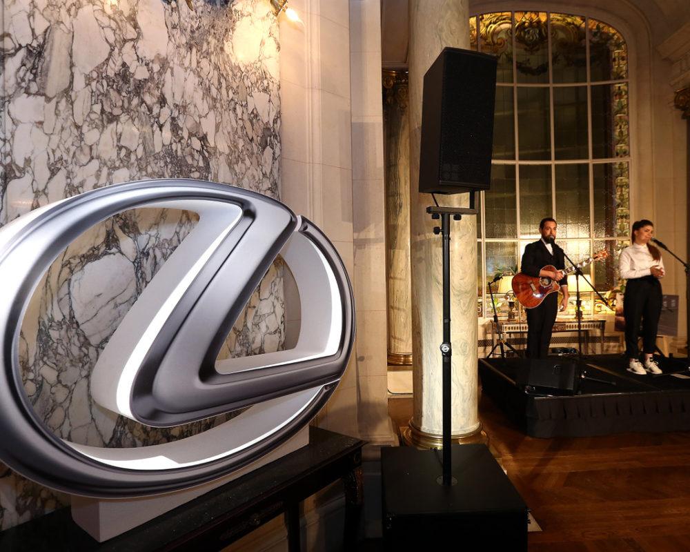 Anniversaire des 30 ans de Lexus au Shangri-la Paris avec le groupe Daysy